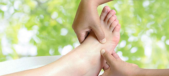 Thai-Massage an den Füßen