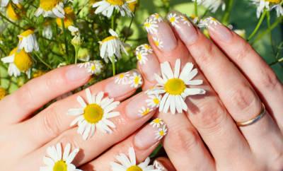 Brüchige Nägel: die abgebildeten Hände haben sie dank guter Pflege nicht