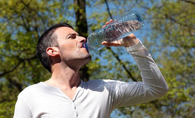 Sportler sollten ausreichend trinken