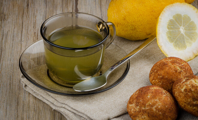 Halschmerzen? Viel trinken! Am besten heiße Zitrone.