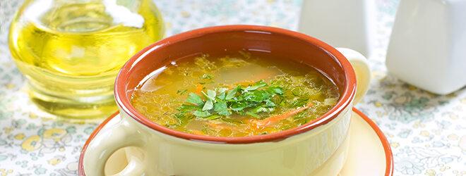 Suppe in einer Schüssel