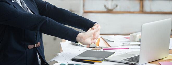 Auch nach der Entzündung wichtig: Pausen und Lockerungsübungen am Arbeitsplatz