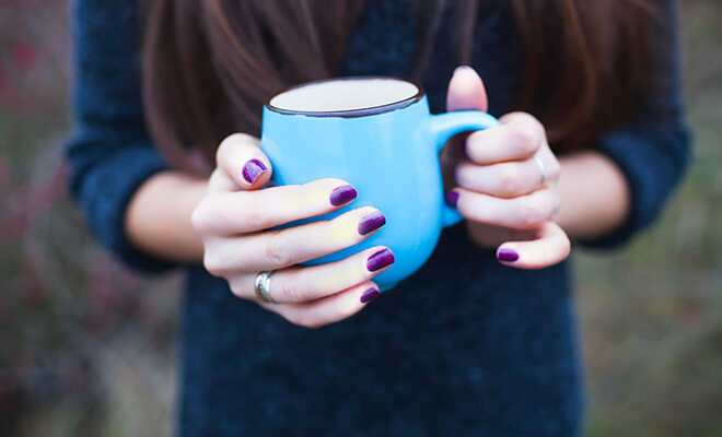 Raynauds: bläulich-weiße Finger
