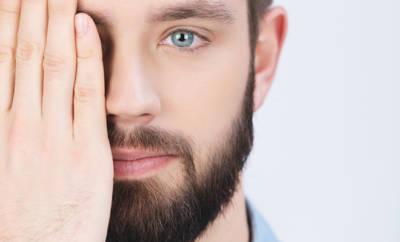Geplatzte Äderchen im Auge stören optisch, sind gesundheitlich im Normalfall aber kein Problem