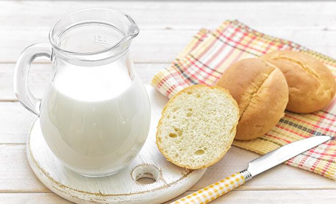 Mayr Kur mit Milch und Brötchen