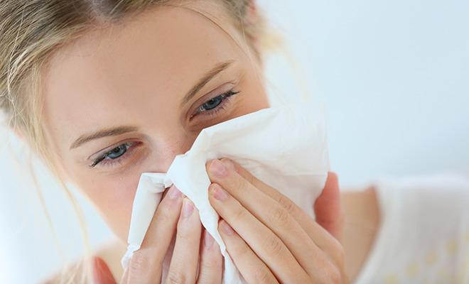 Nasenbluten: Schnäuzen ist häufige Ursache