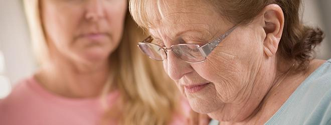 Ältere Frau mit Gebärmutterhalskrebs