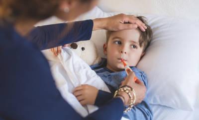 Die sogenannte Hand-Fuß-Mund-Krankheit trifft in der Regel Kinder - manchmal infizieren sich aber auch Erwachsene.