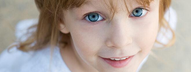 Vitamin A: Junges Mädchen mit hübschen Augen