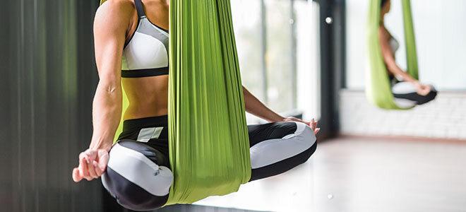 Yoga in der Luft
