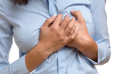 Ein schwankender Östrogenmangel kann zu Herzrhythmusstörungen führen.