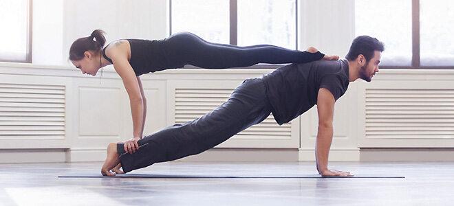 Acroyoga: Akrobatische Entspannung im Teamwork