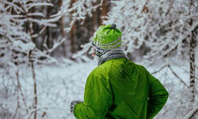 Im Winter sind viele erkältet. Sport in Maßen ist dennoch möglich.