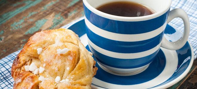 Zu Lagom gehört auch Fika - eine kleine Kaffeepause mit süßen Gebäckteilchen