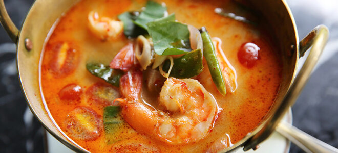Thaisuppe ist ein beliebtes scharfes Essen.