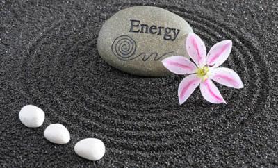 Die Bioresonanztherapie soll die Selbstheilungskräfte des Körpers anregen und schlechte Energie in gute umwandeln.