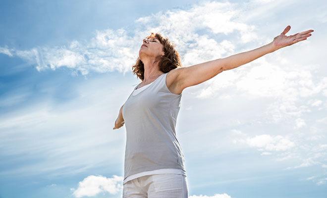 Die Atmung hat Einfluss auf das Wohlbefinden von Körper & Psyche. STUDIO GRAND OUEST / Fotolia