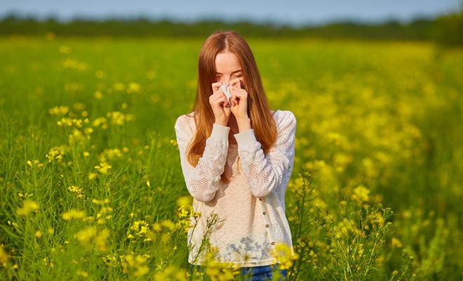 Eine Pollenallergie mit einer Hyposensibilisierung behandelt werden.