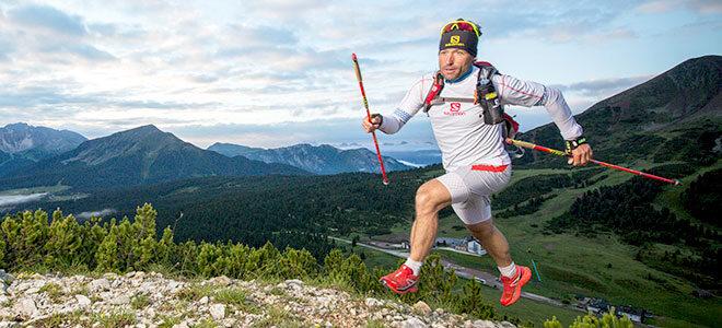 Der ehemalige Langlaufprofi Peter Schlickenrieder beim Trailrunning in den Bergen.