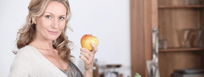 Wer sich gesund ernährt, mindert das Haarausfall-Risiko.