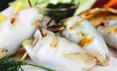 Gegrillte Tintenfischtuben mit Fenchel-Kräuterfüllung