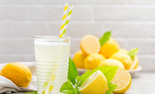 Master-Cleanse-Diät Litronen und Wasser