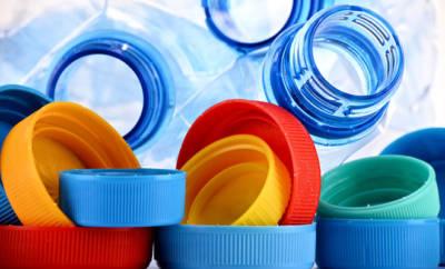 Plastikflaschen und -schraubverschlüsse