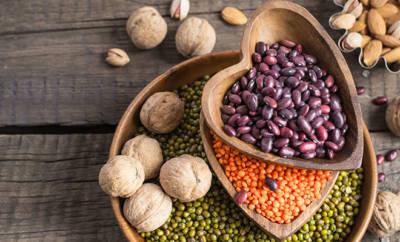 Manganreiche Lebensmittel: Bohnen, Linsen, Nüsse.