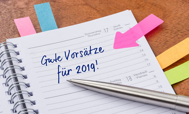 Ein Wochenplaner für das Jahr 2019. Auf einem Blatt steht