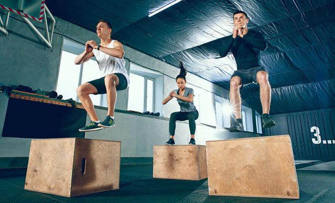 HIIT-Training lässt Pfunde purzeln gilt als absolutes Fatburner-Work-out.