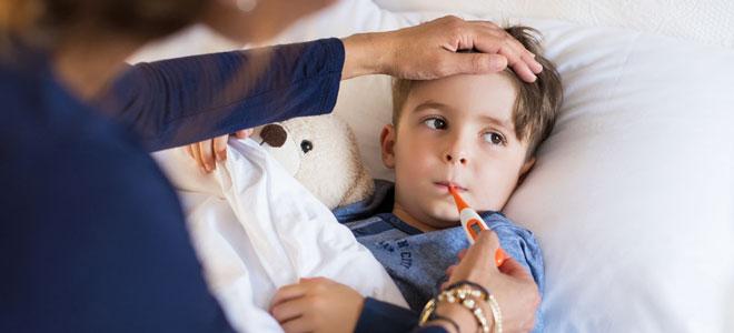 Circa fünf bis sieben Tage nach einem Virus-Infekt kann das Reye-Syndrom ausbrechen.