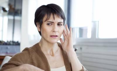 Eine Frau mit Bogengangdehiszenz