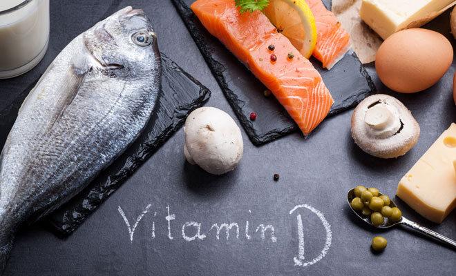 Vitamin-D-reiche Lebensmittel wie Seefisch, Eier und Pilze.