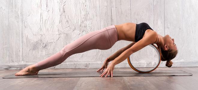 Praktisches Yoga Gadget: Ein Yoga Rad