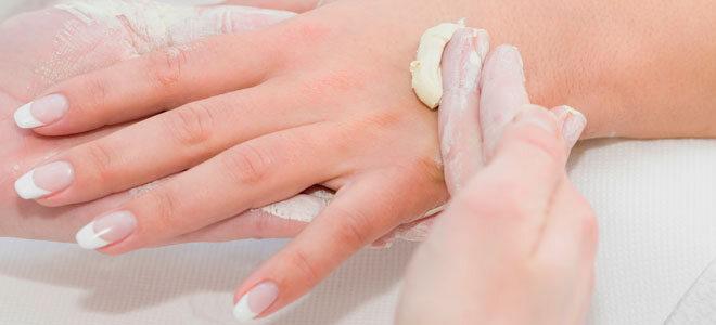 Handpflege mit Sheabutter