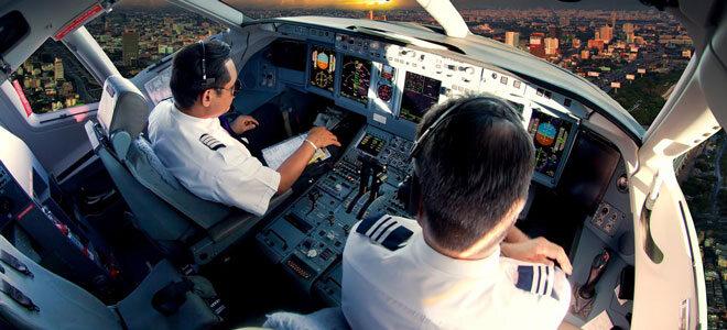 Piloten beim Landeanflug