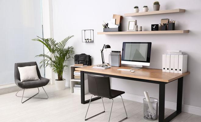 Ein ordentlich eingerichteter Homeoffice-Arbeitsbereich