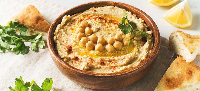 Selbstgemachter Hummus aus Kichererbsen